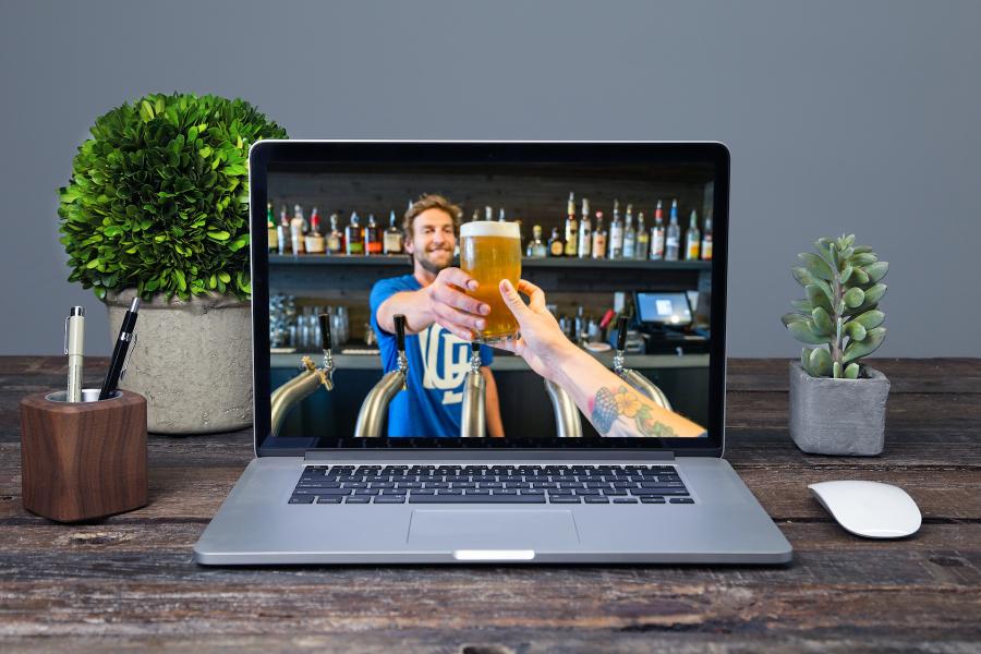 Online borrel met entertainment